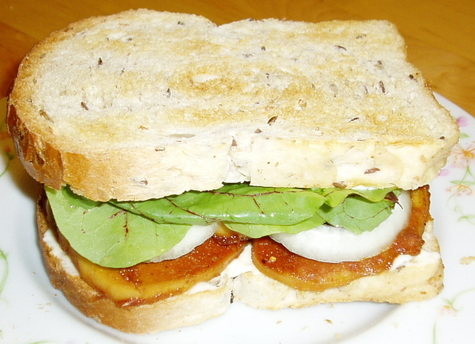 Baked_tofu_sandwich